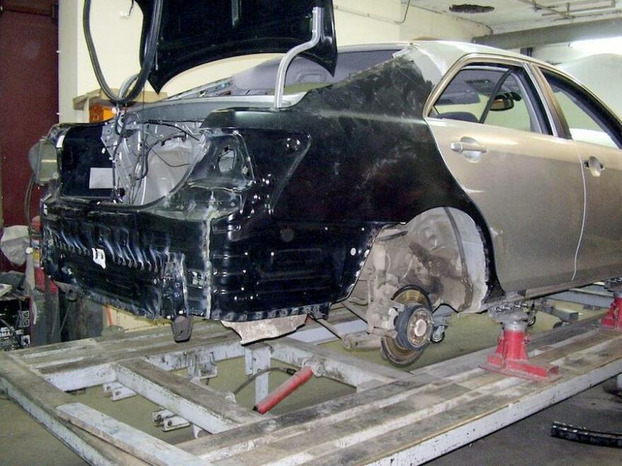 Фото процесса полного кузовного ремонта с заменой деталей